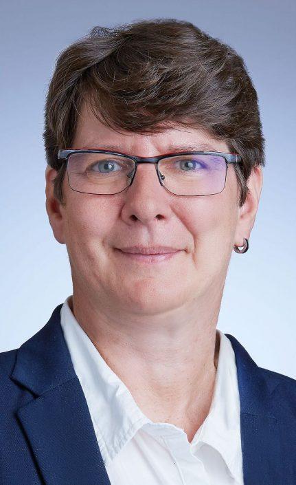 Frau Adler(Geschäftsführung)